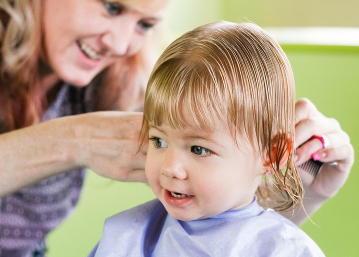 Benefits Of First Haircut For Kids At The Salon2